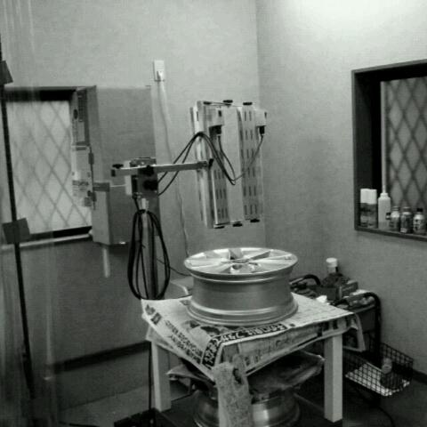ホイール修理 作業場